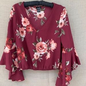🌸Rue 21 Floral Bell Sleeve Crop Blouse